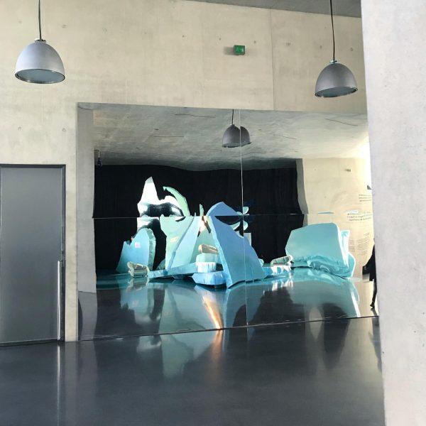 #jakoblenaknebl #ashleyhansscheirl #kunsthausbregenz #eismeer #gescheitertehoffnung #installation #kub #ice #romanticism #isolation #lockdown #bilderinderpandemie #mirror #lamps #caspardavidfriedrich #2020 #desire...