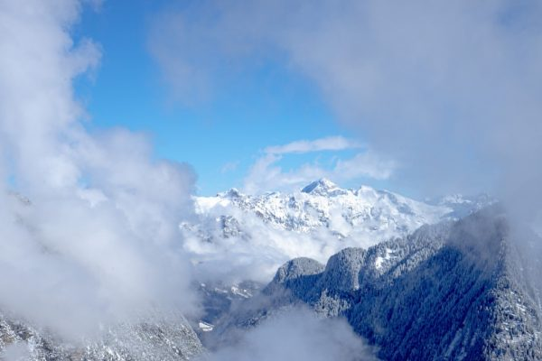 Wenn sich der Nebel verzieht und das Bergpanorama sichtbar wird - solche Momente ...