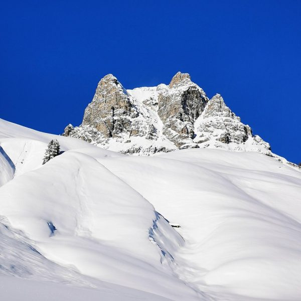 No Filter 💙😇 Der Winter kam nochmal mit voller Schönheit zurück zum besten Sonnenskilauf! ☀️❄️ #warthschröcken #warth...