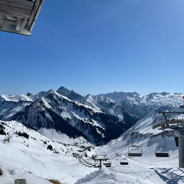 Winter Wonderland Faschina⛷❄️🎿🎿☀️😎 #damülsfaschina #visitvorarlberg #grosseswalsertal #visitaustria #visitvorarlberg Seilbahnen Faschina