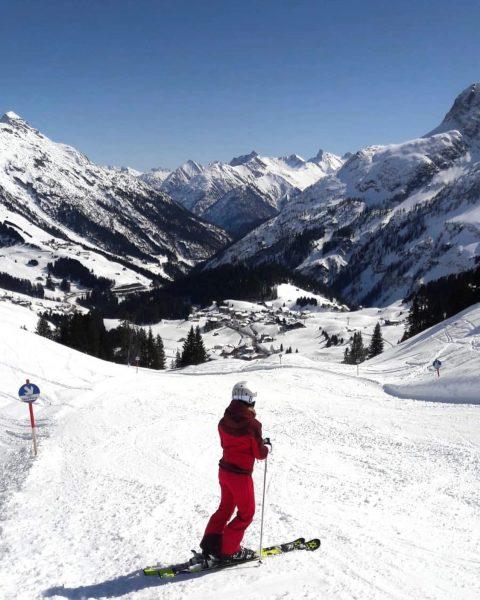 An Tagen wie diesen ... ☀️⛷🎿 #skiarlberg #warthschröcken #ski #atemderberge #warth #arlberg #traumhaftschön #unserarlberg #alpenliebe #genießen #sonnenskilauf...