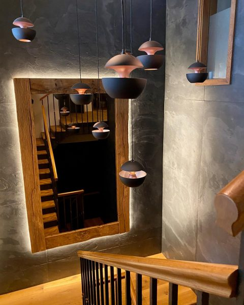 Im Chalet GM erreicht ihr alle 4 Stockwerke über ein großzügiges Stiegenhaus oder ...