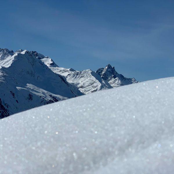 Richtiger Firn ist was sehr geiles, richtiger Powder aber auch! Im Frühjahr findet man am Arlberg beides....