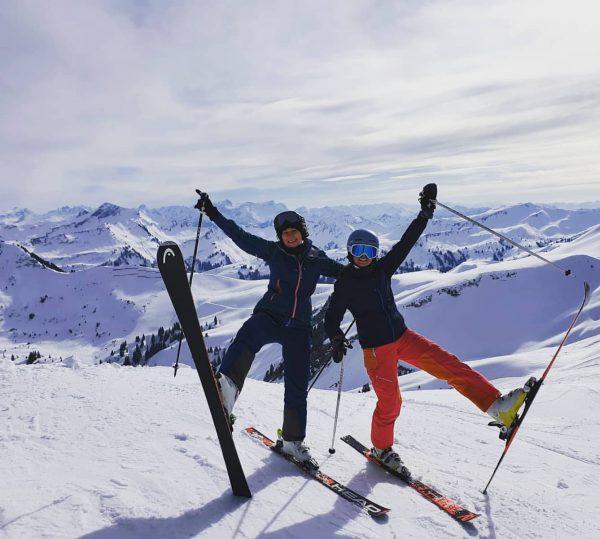 Skifahren bei herrlichen Frühlingstemperaturen im #skigebietmellaudamüls - geöffnet bis 11.04.2021 . . . ...