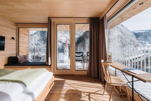 Schön, charmant, großartig ❤ @hotel_adler_au Pic by @nussbaumerphotography #zimmerleonhard #woodenstyle #holzmöbel #adlerau #adlerroessle ...