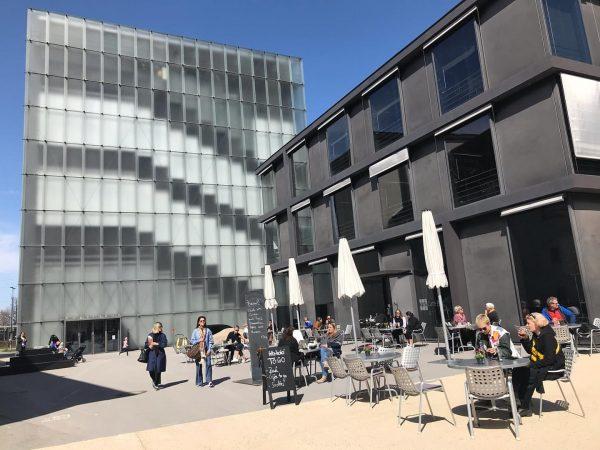 How nice! @visitbregenz #kunsthausbregenz #sunnyday