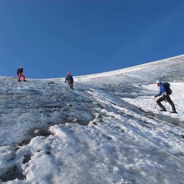 Der Vorarlberger Bergführerverband veranstaltet in den kommenden Monaten wieder diverse Vorbereitungskurse für Interessenten ...