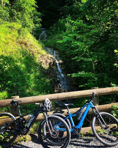 #bike #biketour #austria #gsohlalp #dienstagsdetail #bulls #bmc #emserhütte #flammkuchen #schöneswetter #sonne #sommer #naturpur ...