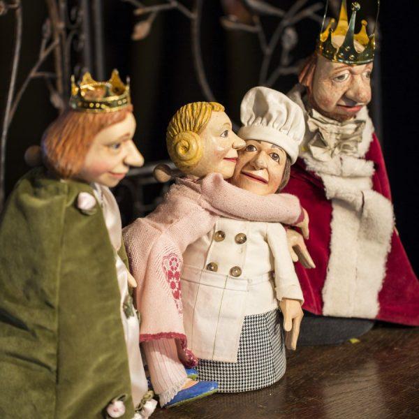 Homunculus - Wer etwa glaubt, Puppentheater wäre nur etwas für Kinder, der irrt gewaltig – es müssen...