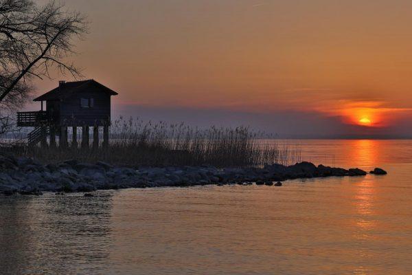 Sunset am Rohrspitz #rohrspitz #vorarlberg #bodenseepage #bodenseebilder #bodensee #bodenseeregion #bodenseeliebe #sunset #dämmerung #diegoldenestunde ...