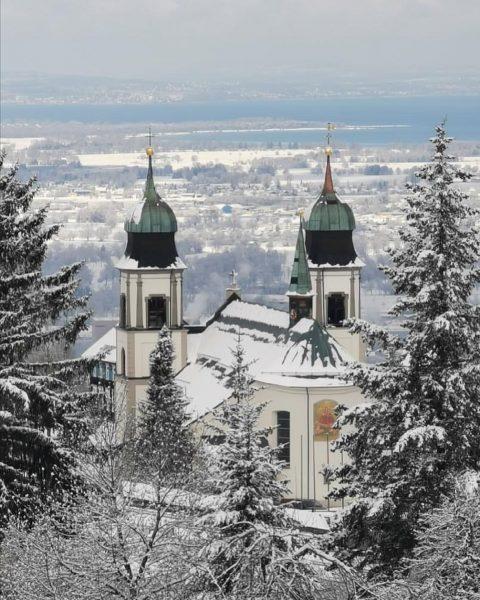 Seems like Mother Hulda isn't ready to leave us yet ❄️🤭 #winterisback #springiscoming #snowday #winterwonderland #myvorarlberg #visitvorarlberg...