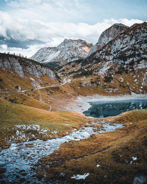 Einfach traumhaft die Kulisse am Formarinsee in den Arlberger Alpen. . . . ...