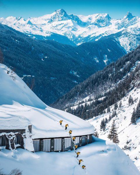 Flexengalerie Zürs 🇦🇹 . . 📸 @lucas_tiefenthaler . . #winterisnotover #onemoreweek #arlberg #flexengalerie ...