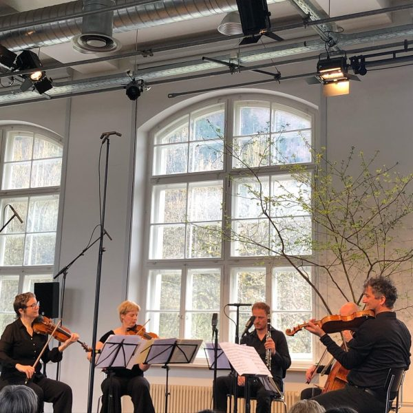 Musik berührt, wenn sich Künstler*innen und Publikum den Raum teilen. Wie wahr! @klaus.christa.viola @die_pforte #musikinderpforte #kammermusik #konzert...