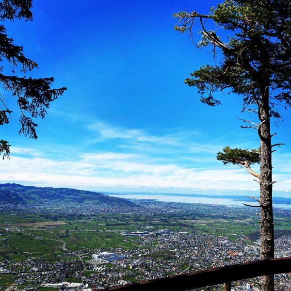 ʜᴏᴍᴇᴛᴏᴡɴ ♡ #amazing #view #hometown #home #nature #naturephotography #naturelover #mountains #sun #sunnyday #bluesky ...