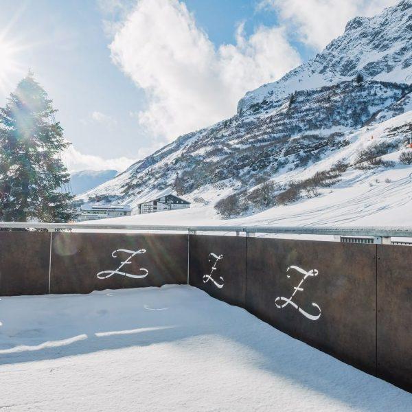 Grand Resort Zürserhof Dein 5*s #Skihotel am #Arlberg. Unser Hotel liegt direkt an der Skipiste. Skier anschnallen...