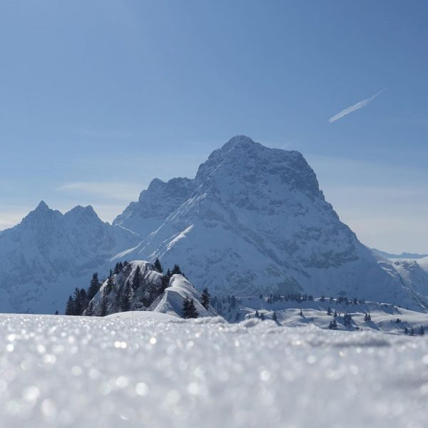 Focus on the good 🏔 #großerwidderstein #baad #kleinwalsertal #naturephotography #nature #sonyrx100 #frindship #skitouring ...