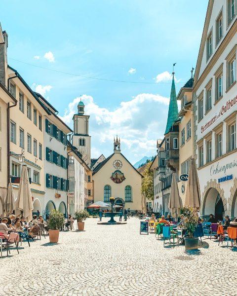 Life is back🤩 @feldkirch . . #feldkirch #vorarlberg #visitvorarlberg #sunnyday #meintraumtag #madeinaustria #city ...