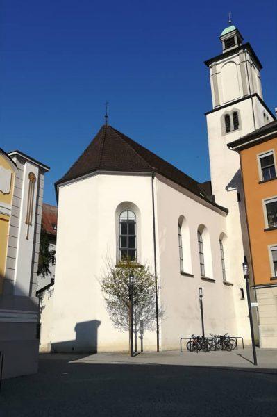 Heute bei strahlendem Sonnenschein fiel mir die alte Johanneskirche besonders auf. Wusstet ihr, ...