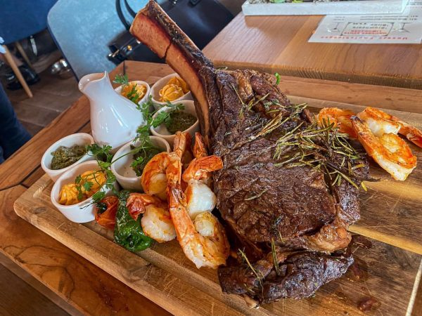 🇩🇪 Ein Dry aged Tomahawk steak zum Abendessen mit Freunden 🥩 vom @pier69bregenz ...