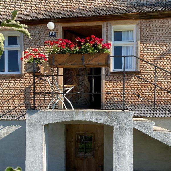 Ferientage im Ambros ab 19. Mai . . . . . . . #venividivorarlberg #visitvorarlberg #tradition#bregenzerwald #architekturimbregenzerwald...