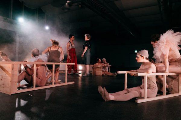 Viel Applaus 👏 für die Jubiläumsproduktion 20 jahre WalktanzTheater - Bei der Erstaufführung im ausverkauften Alten Hallenbad...