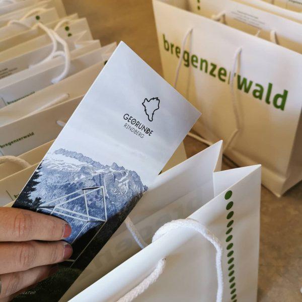 Informationen sammeln für die künftigen Gäste - Wanderungen und andere Aktivitäten im Bregenzerwald ...
