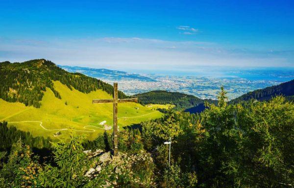 Frühling in den Hohenemser Bergen! #emspiriert #hohenems #nature #naturephotography #mountains #hiking #schuttannen #emseralpen #bocksberg #aussicht #ausblick #vorarlberg...