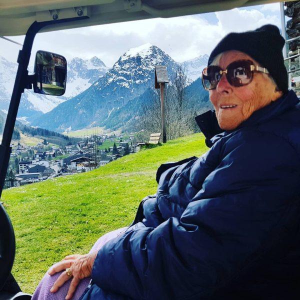 Biotel unterwegs, mit der Seniorchefin🍀 #brandentdecken #golfcart #olgabertelontour #baustellenupdate #vorortinformiert #esgehtweiter #positivevibes #nidlugglo ...