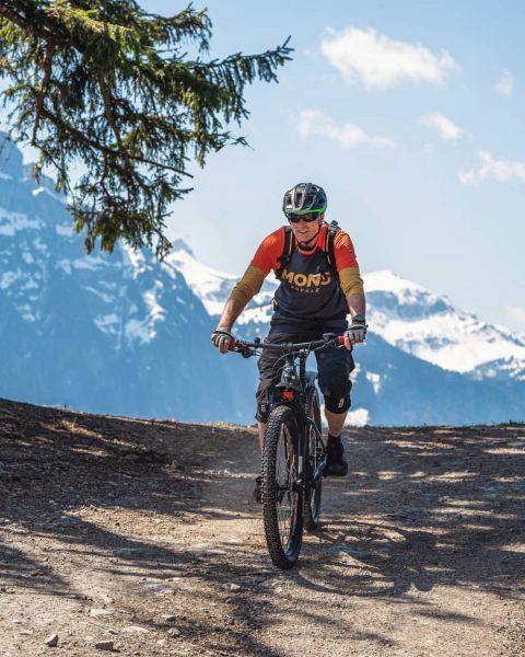 Heute gab's gleich eine kleine Probefahrt mit dem neuen E-Bike von @sportbrogermellau 🚵🏻 ...