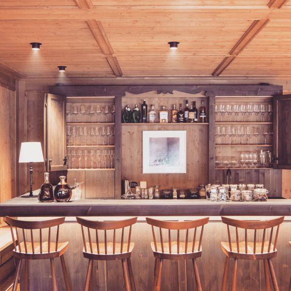 Looking forward to having some drinks here @chaletmimilech 😍🥂 #dreamnowtravellater #dreamnowdrinklater #drinknowtravellater #chaletmimi #chaletmimilech #luxurychalet #luxurystay #luxuryski...