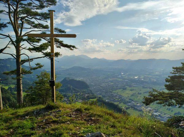 #hohenems #vorarlberg #visitvorarlberg #rheintal #hiking #wandern #rhinevalley #topofthemountain #austria #österreich #mountainview #landscape #bergliebe #nature #igersaustria #vorarlbergwandern #gipfelkreuz...