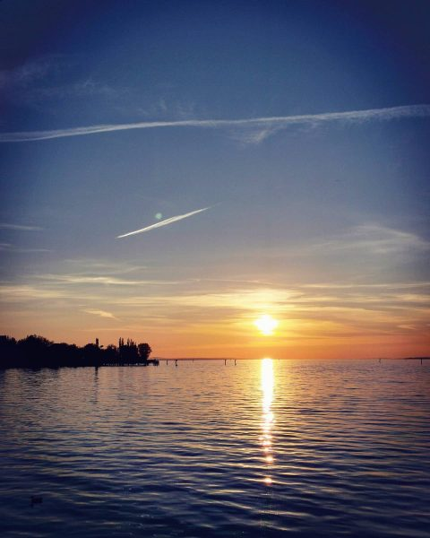 🔹Sunset🔹 Perfekter Ausklang am See. Egal wie stressig da Tag a gfanga hot, ...