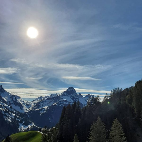 Weekend mode on... 😎 #berghofschroecken #weekend #chillout #relax #blessed#nofilter #picoftheday #nature #love#mountains #hiking #view#behindourhouse #paradise #family #friends...