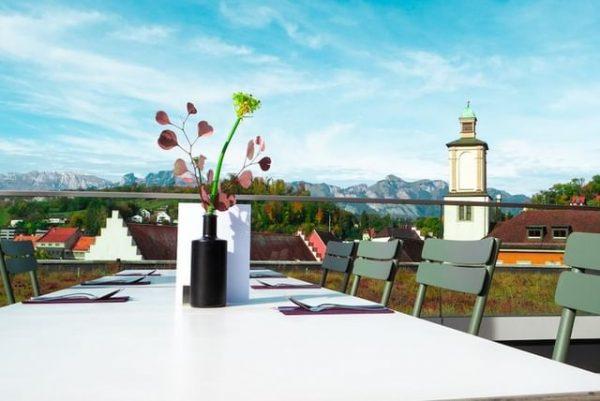 Regionale Tapas à la carte, Mittagsmenüs und erfrischende Getränke: Die schönste #Dachterrasse mit ...