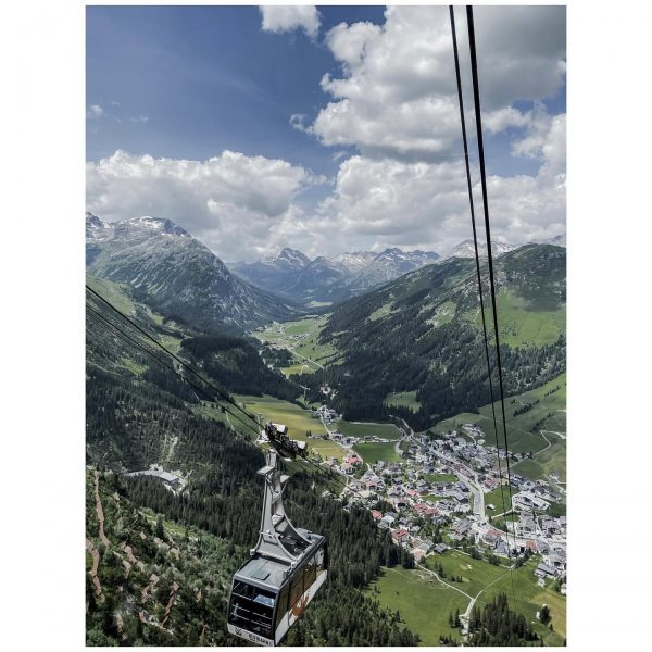 Mountain vibes…🏔 Lech is best known for its skiing (both on-slope and off-slope). It is well-networked via...