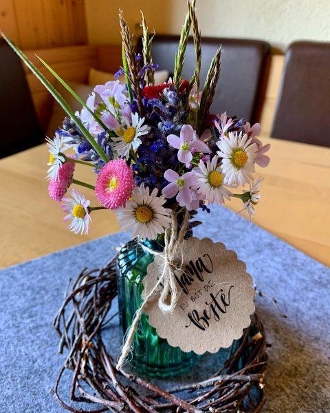 Wir wünschen allen Mamas, besonders aber auch unseren #Bäuerinnen einen entspannten #Muttertag ♥️ im Kreise ihrer Lieben!...