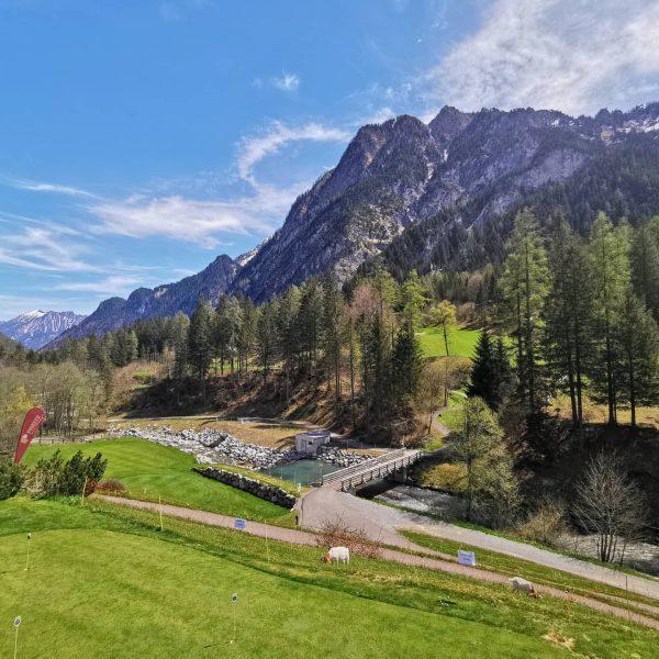 Pranzando nella natura. 🏔️🏔️🍹⛰️🌞🌞. #mountains #mountainlove #montagne #bergen #brandnertal #brand #amici #danoi #pizzeria ...