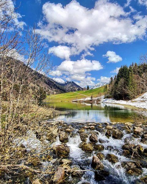 Frühling im Lecknertal. 📸 @sandc_outdoorphotography #spring #frühling #landschaft #landscape #naturelovers #lake #lecknersee #lecknertal ...