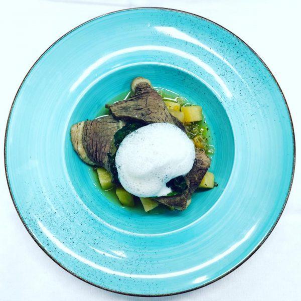Dürfen wir Ihnen unseren Tafelspitz auf Bouillon Kartoffel mit Spinat und Krenschaum vorstellen? ...