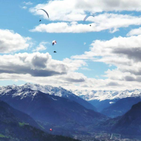 See you in the sky! #paragleiten #vorarlbergentdecken #vorarlbergtourismus #paragliding #venividivorarlberg #dünserälpele #visitvorarlberg Dünserberg