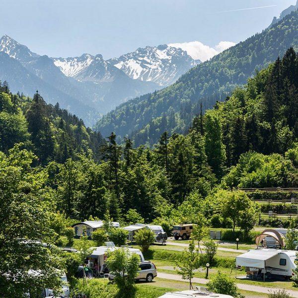 Ab HEUTE geöffnet für EUCH #endlichreisen #wiedereröffnungnachcorona #campingösterreich #glamping #chalet #österreich #vorarlberg #ndnzing #urlaub2021 #glampinglife #campinglife #reisezeit...