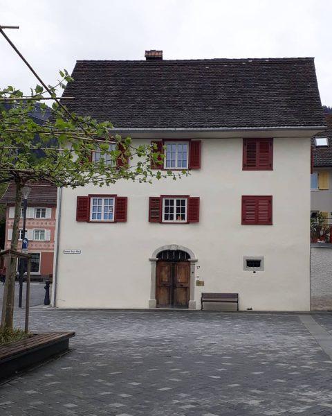 Das Brettauerhaus in Hohenems Die Geschichte des Brettauerhauses in Hohenems, Schweizerstraße 17, ist ...