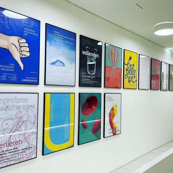 Plakatarbeiten herausragender Designerinnen und Designer Vorarlbergs für die Montforter Zwischentöne. #montforterzwischentöne #neueformate #designvorarlberg ...