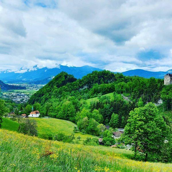 Hohe Kugel, Vorarlberg, Austria 1645 Hm Wandfluh-Luchsfalle-Emser Hütte-Hohe Kugel-Emser Hütte-Fluhereck-Stuarottel-Wandfluh-Reute #hiking #nature #outdoor ...