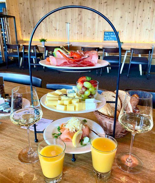 #Wunderbares #Bergfrühstück im @restaurant_frood - die #Wandersaison in unserem #traumhaften #Ländle ist eröffnet ...