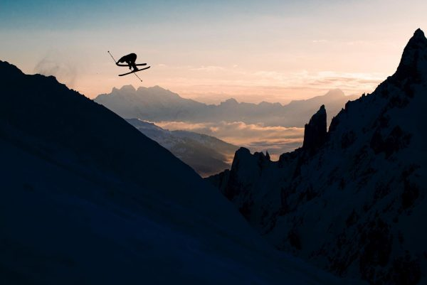 Throwing it back to the best sunset session ever, the maestro @felix_pirker doing absolute magic behind the...