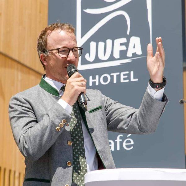 Hotel.Eröffnung 🏢🗝️⛰️🇦🇹 Gemeinsam mit den Verantwortlichen der Gemeinde und der JUFA-Hotels-Gruppe konnte ich ...