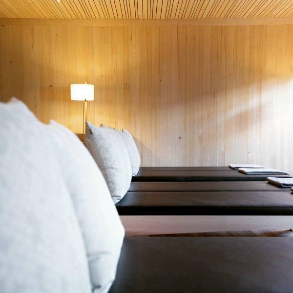 Nach dem Saunagang am Nachmittag wird im Ruheraum entspannt - geht ihr auch ...