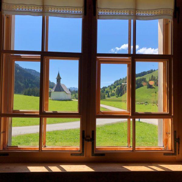 Alpenblick.... #photography #alpen #alps #mountains #window #crion_official #manzara #nofilter Jagdgasthaus Egender